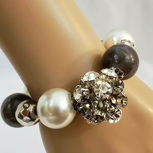 Women Silver Gray  Black Pearl Stretch Bracelet
